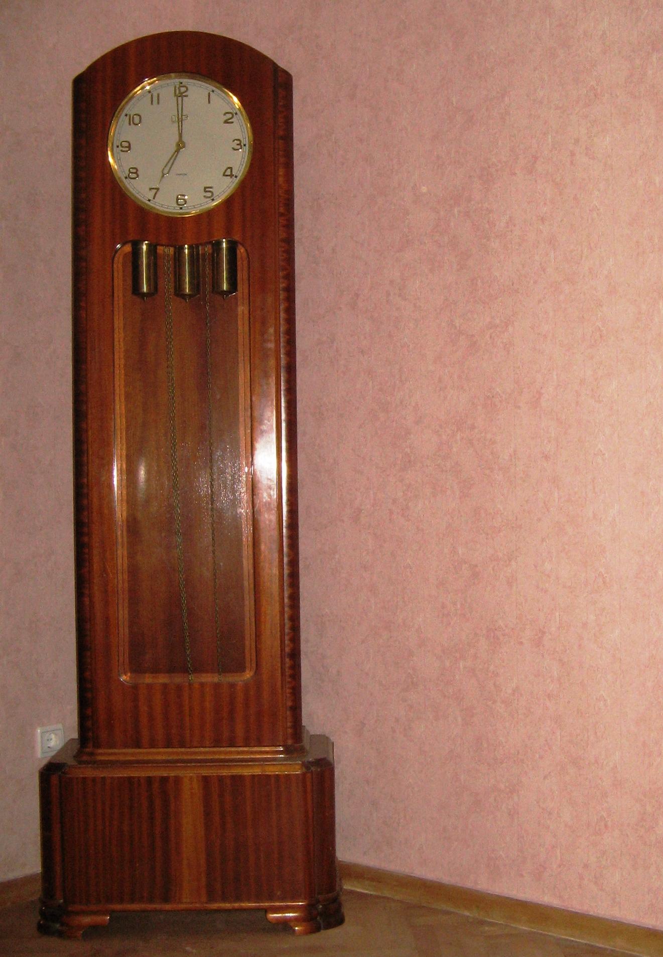 Продать часы напольные янтарь работы тепловоза стоимость одного часа