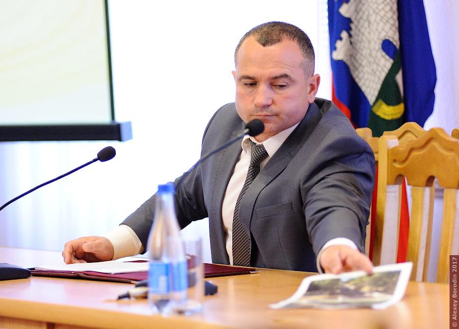 ВОрле замглавы администрации «наградили» лавровым веником заотписки